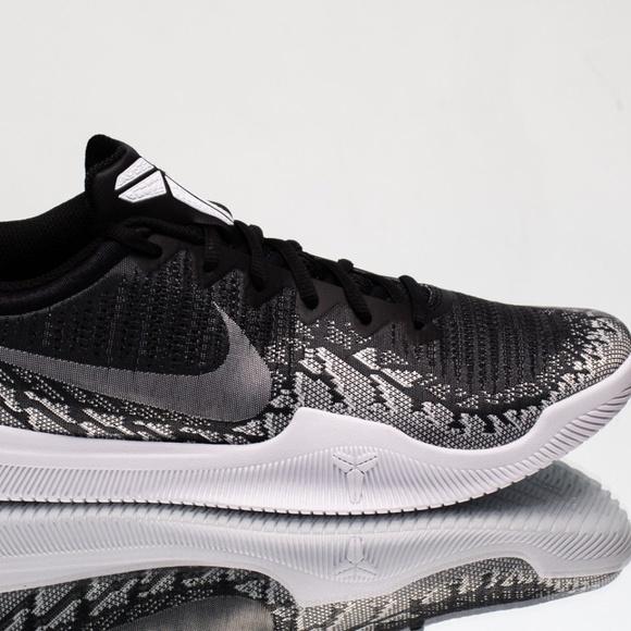 4c8c91a39a61 Nike Kobe Snakeskin Black   White Black Mamba NEW